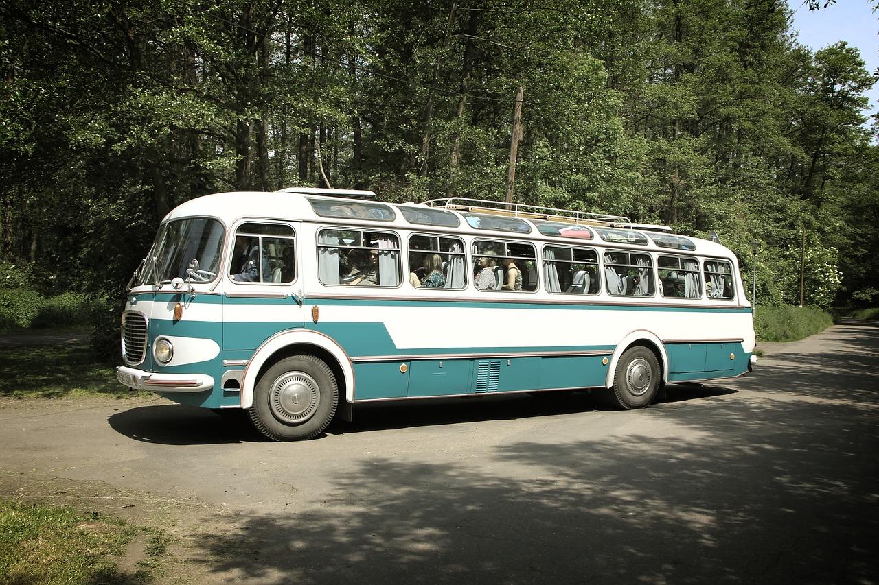 Веселый автобус или Американец в России. Юмористический рассказ Александра Калуцкого