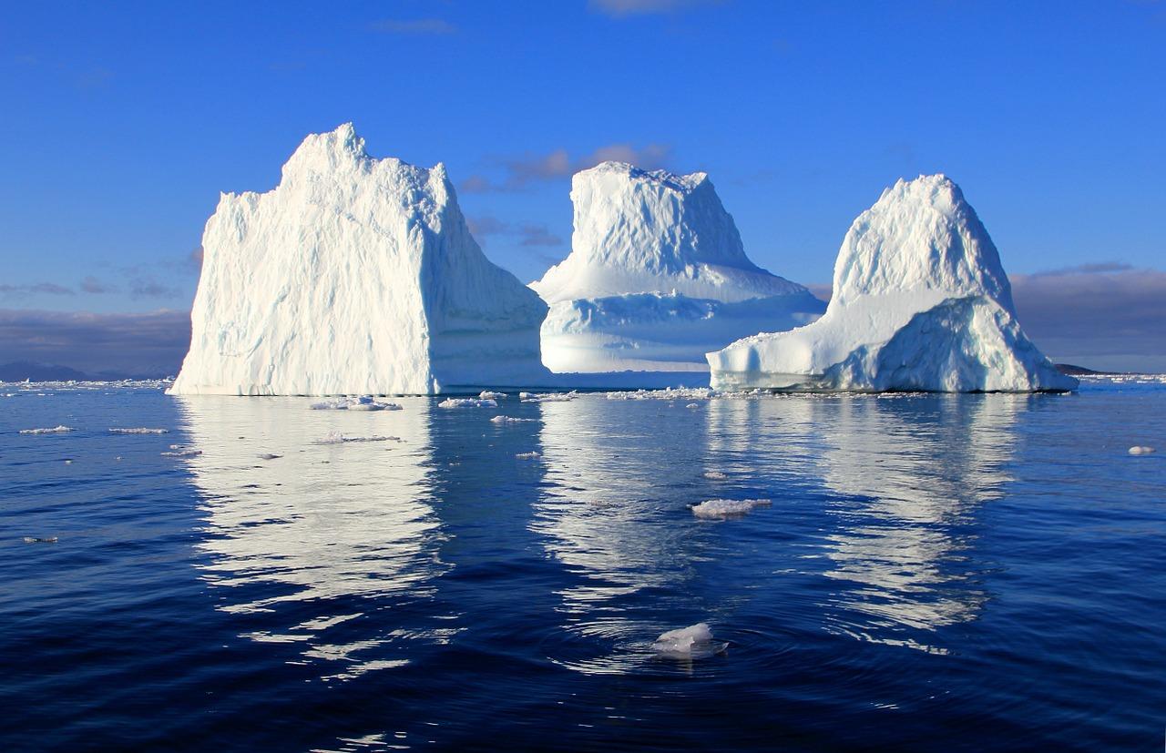 вода с айсбергов